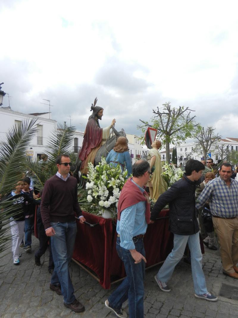 ¨La Borriquita¨ pasea por las calles de Olivenza