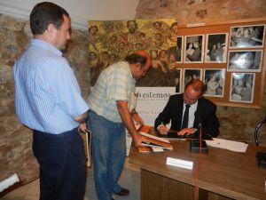 Presentado el nuevo libro del oliventino José Antonio González Carrillo