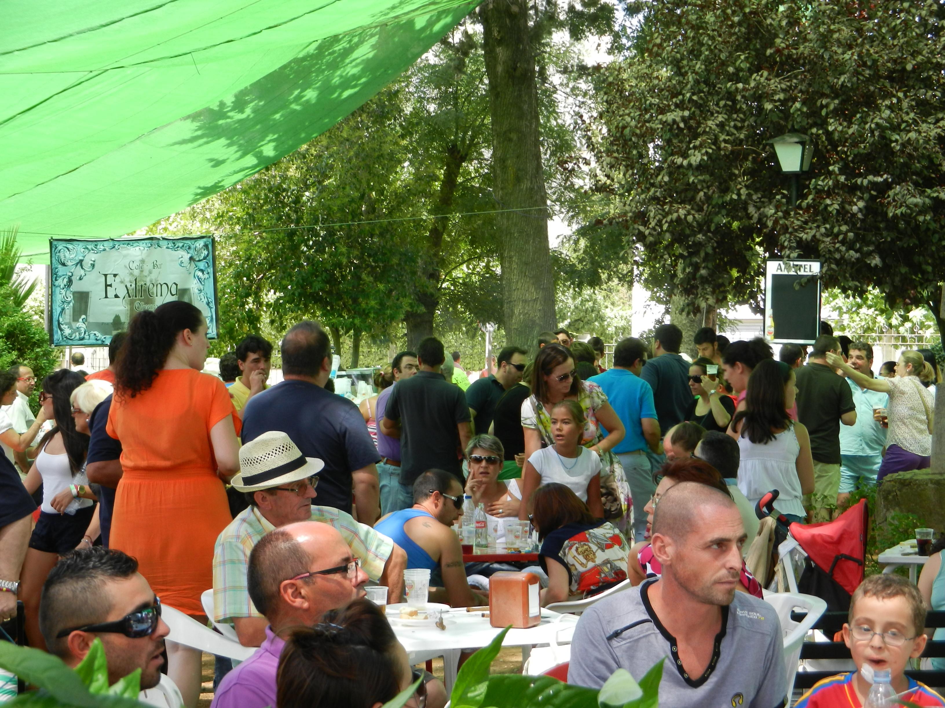 Feria de día en el parque de Los Pintasilgos