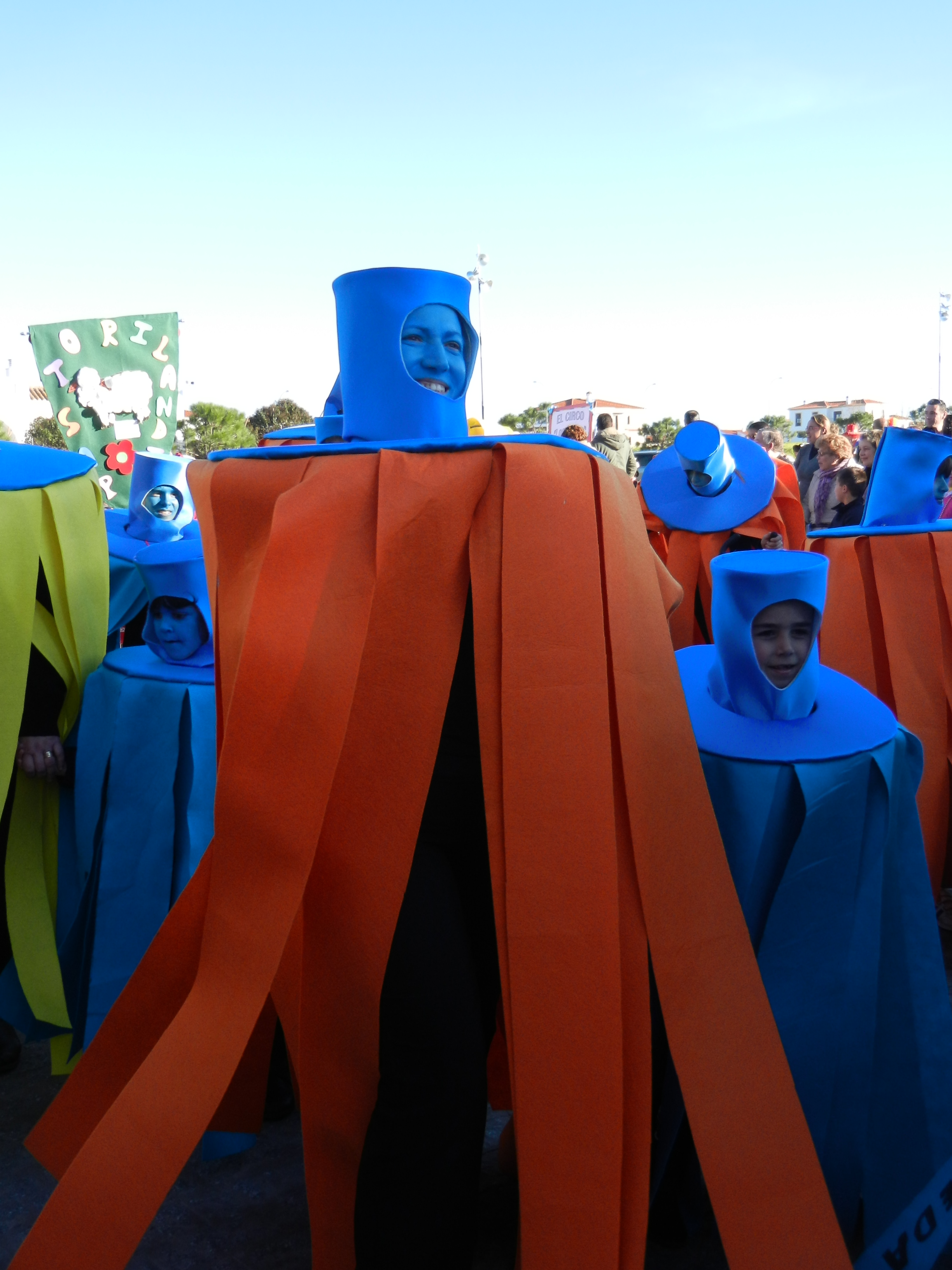Las fregonas salen a la calle en carnavales