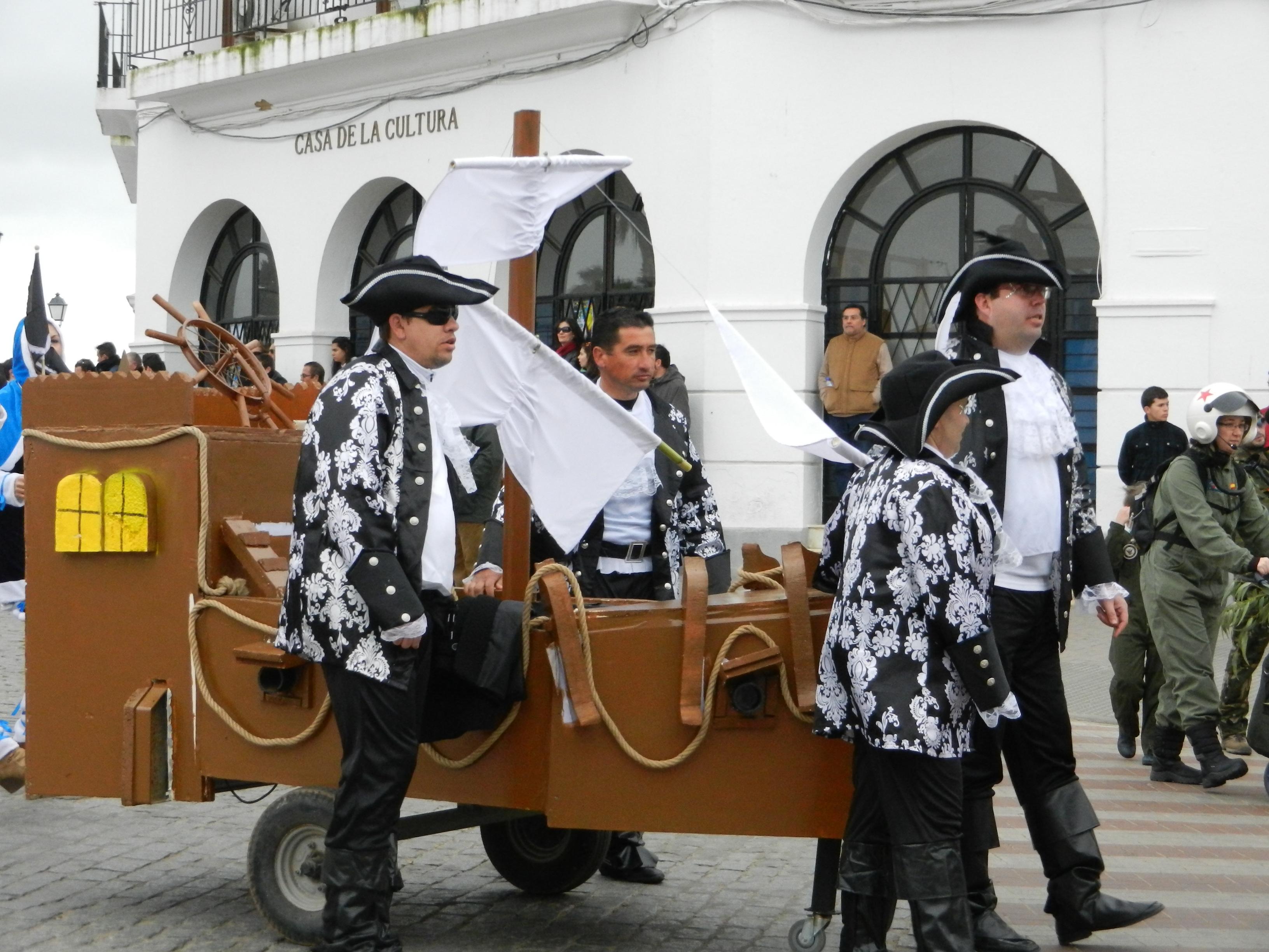 Carrozas en el desfile del domingo