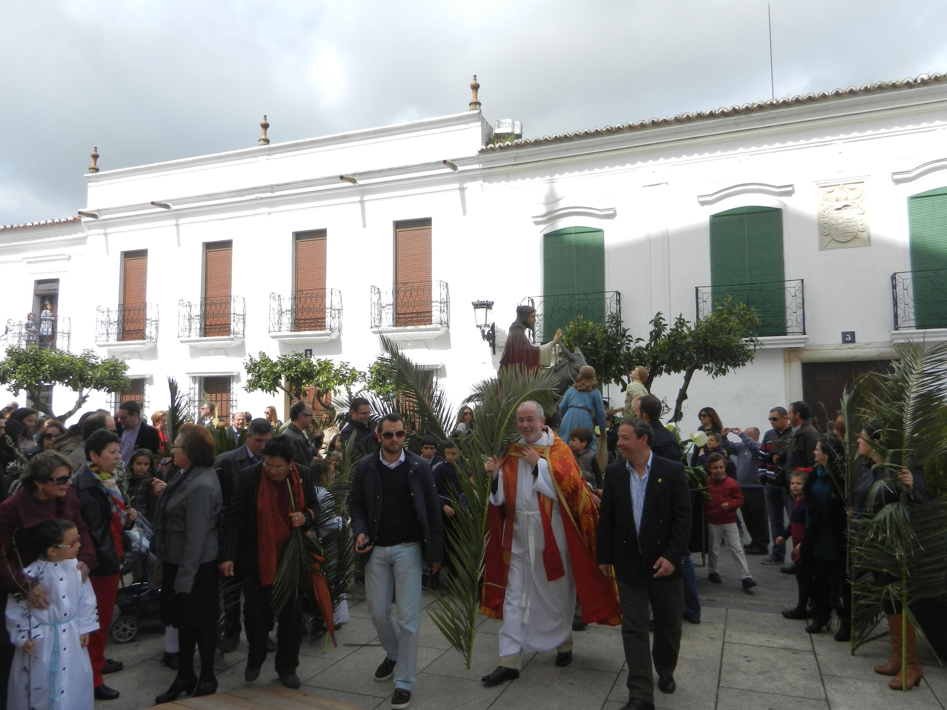 La procesión de la Borriquita llega a Santa María del Castillo