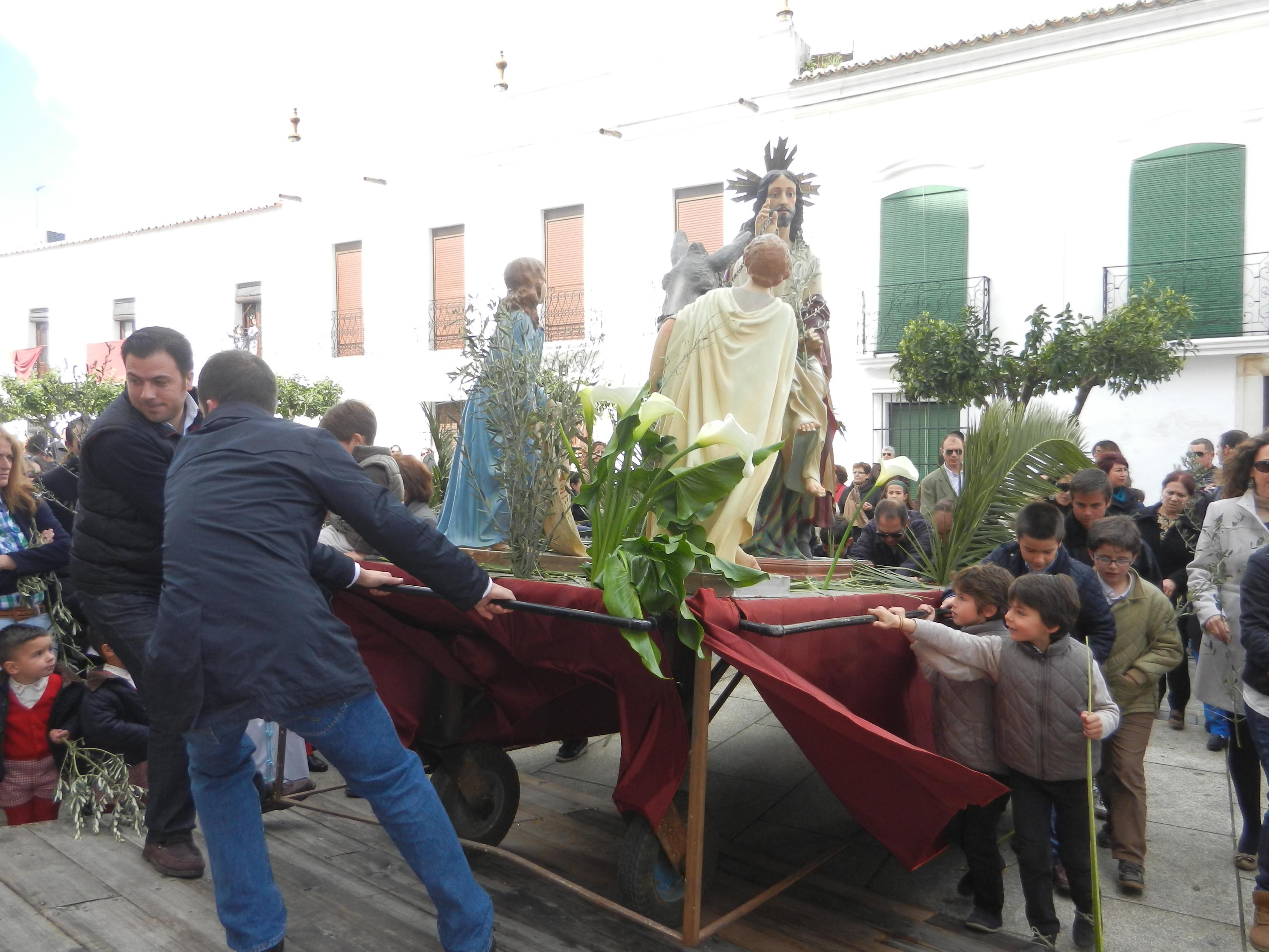 La Borriquita llega al templo