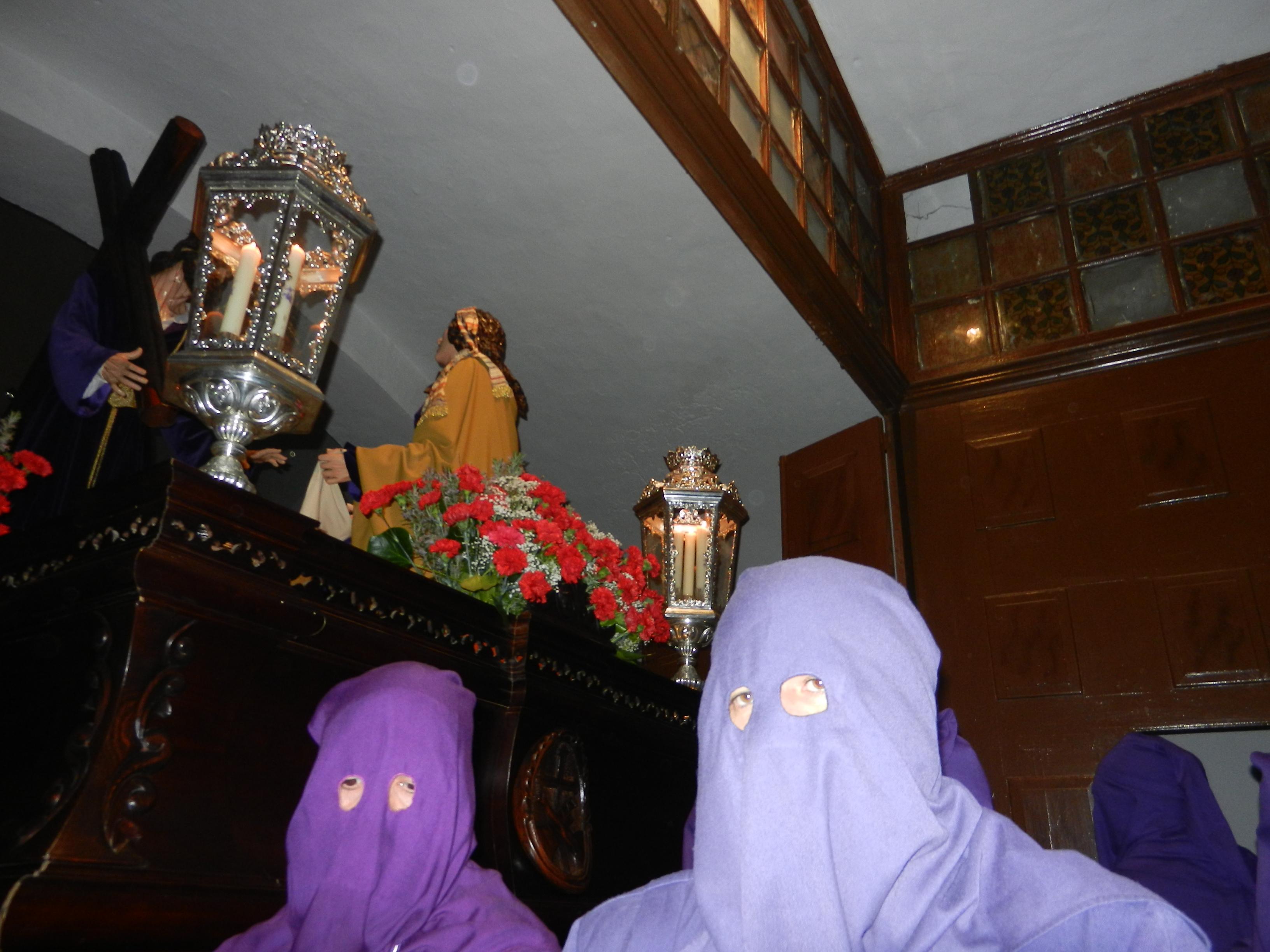 Jesús Nazareno se asoma a la puerta del templo