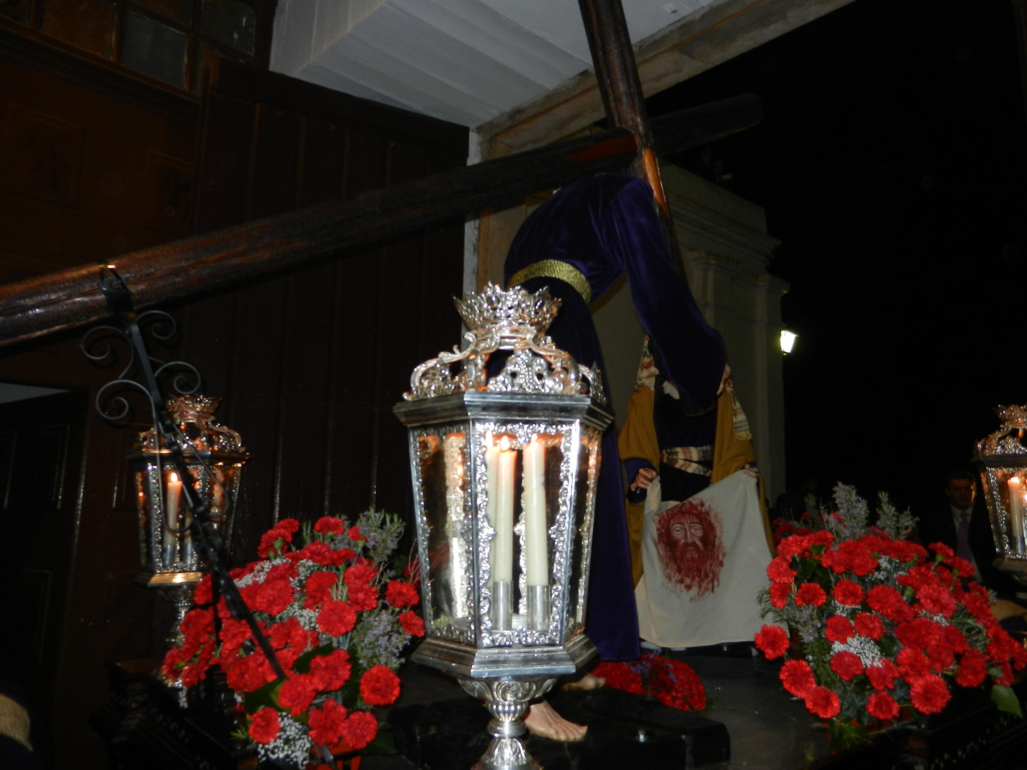 Jesús Nazareno y La Verónica se asoman a la calle