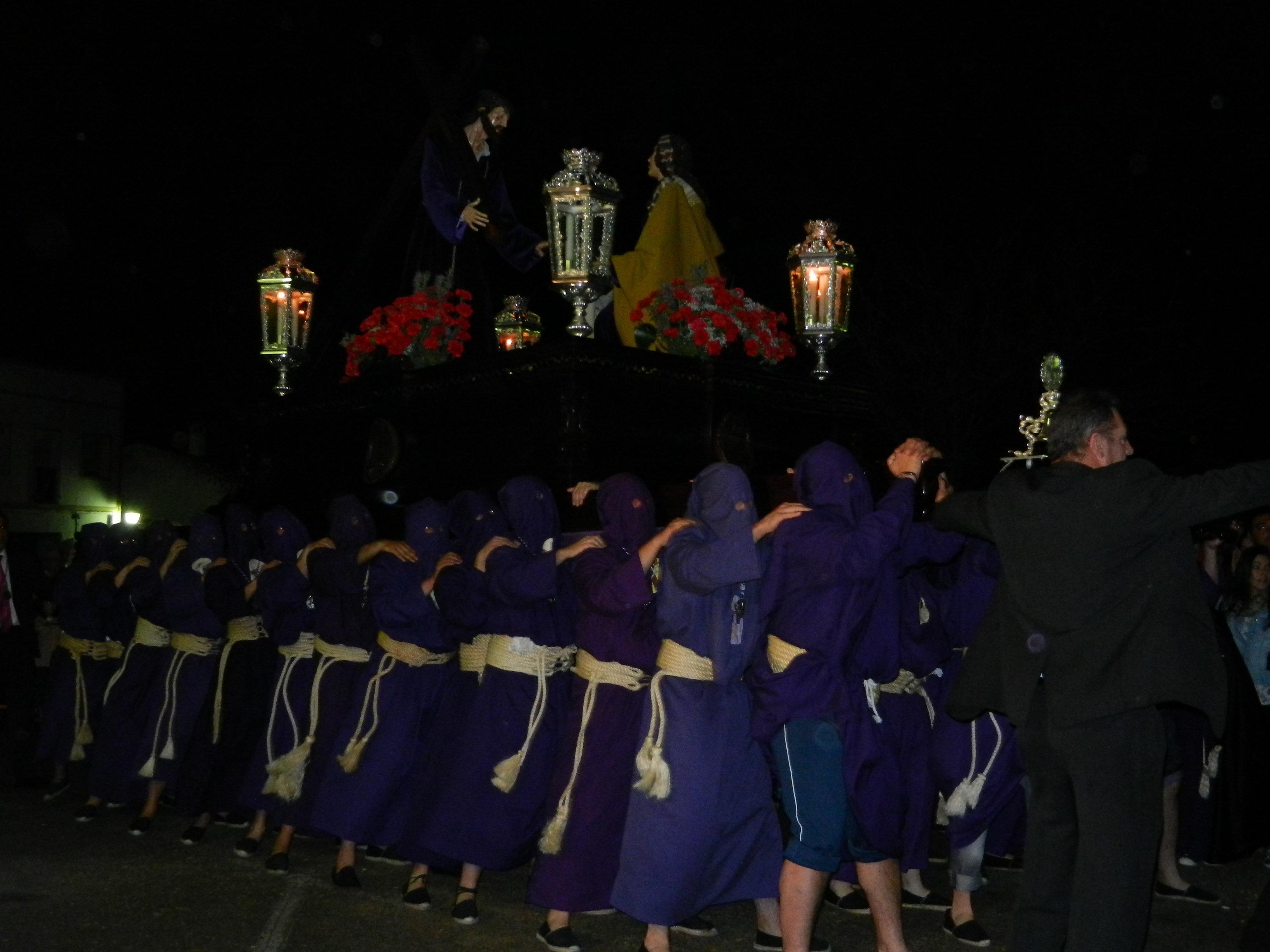 Salida del paso del templo