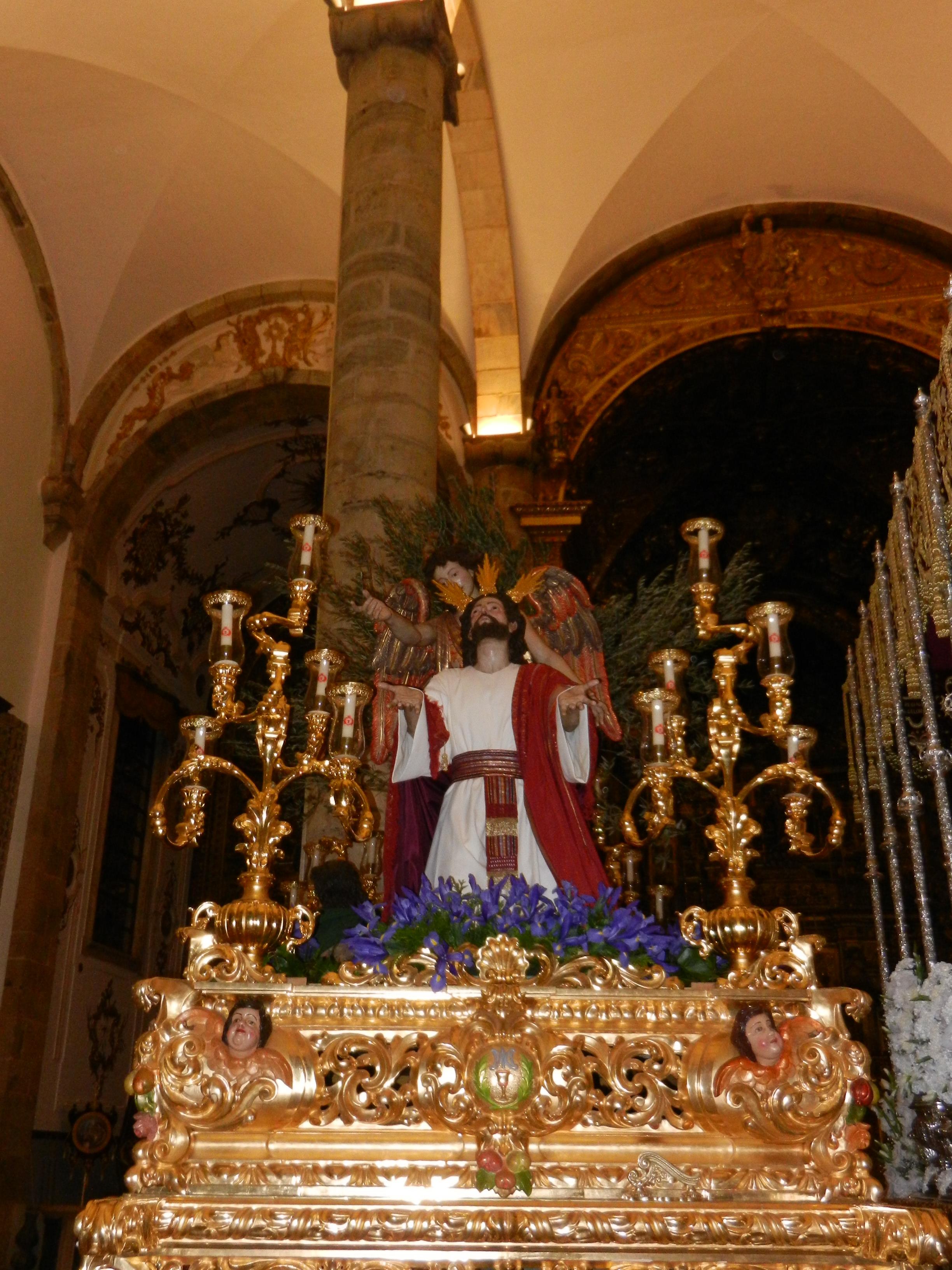 Jesús Orando en el Huerto estrena fajín