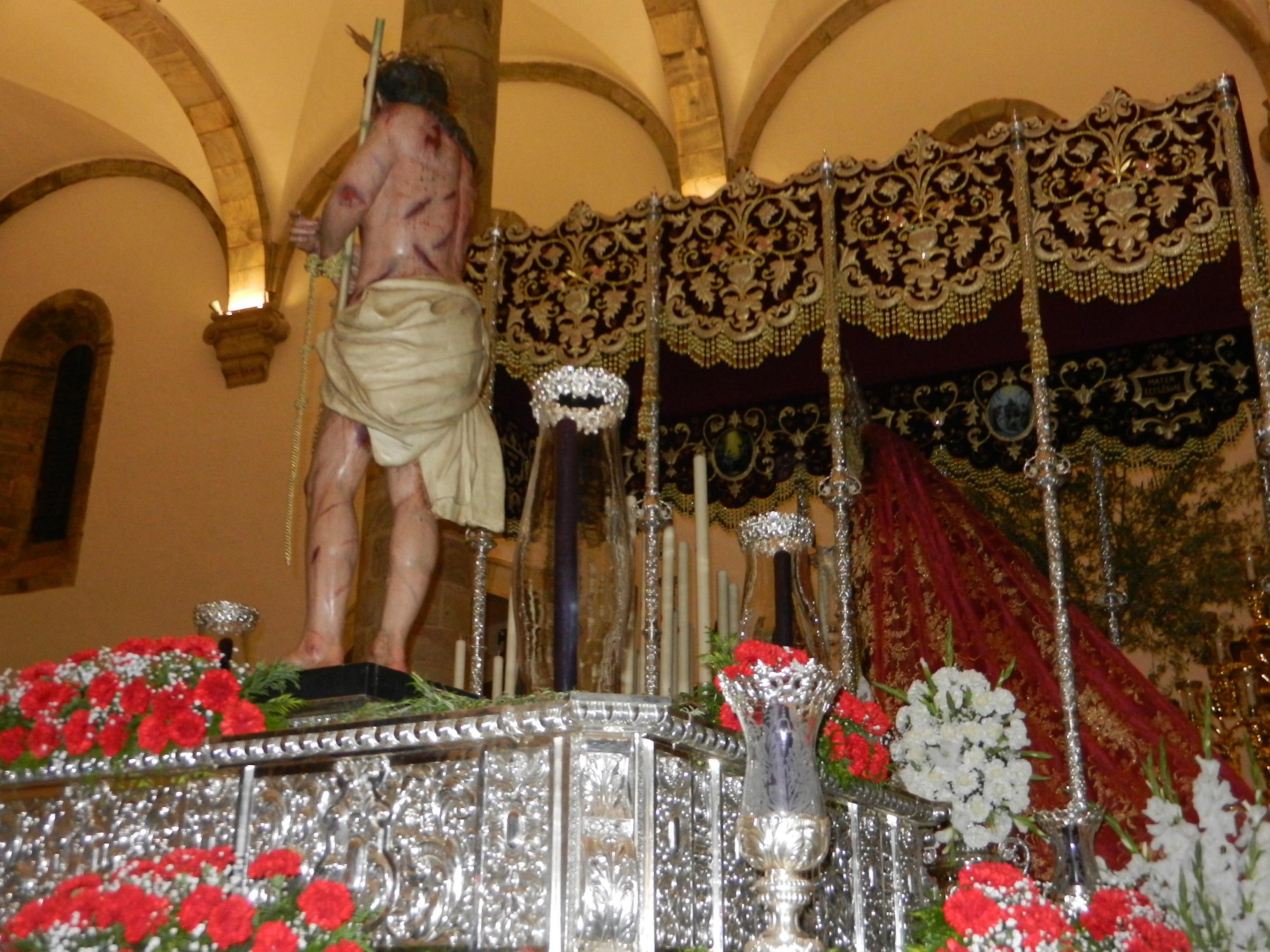 Pasos en el templo
