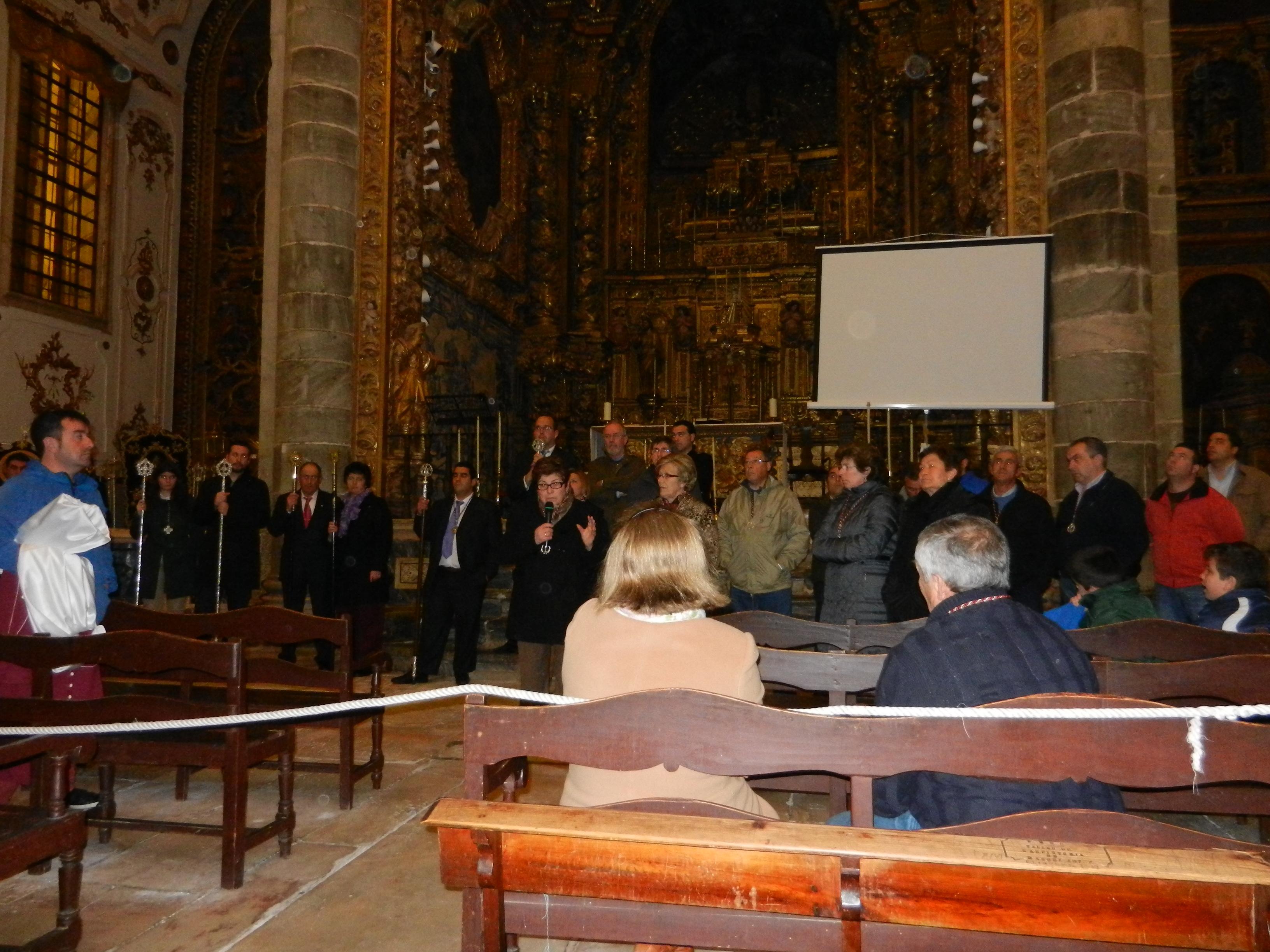 La Junta Directiva se reúne para informar a los fieles
