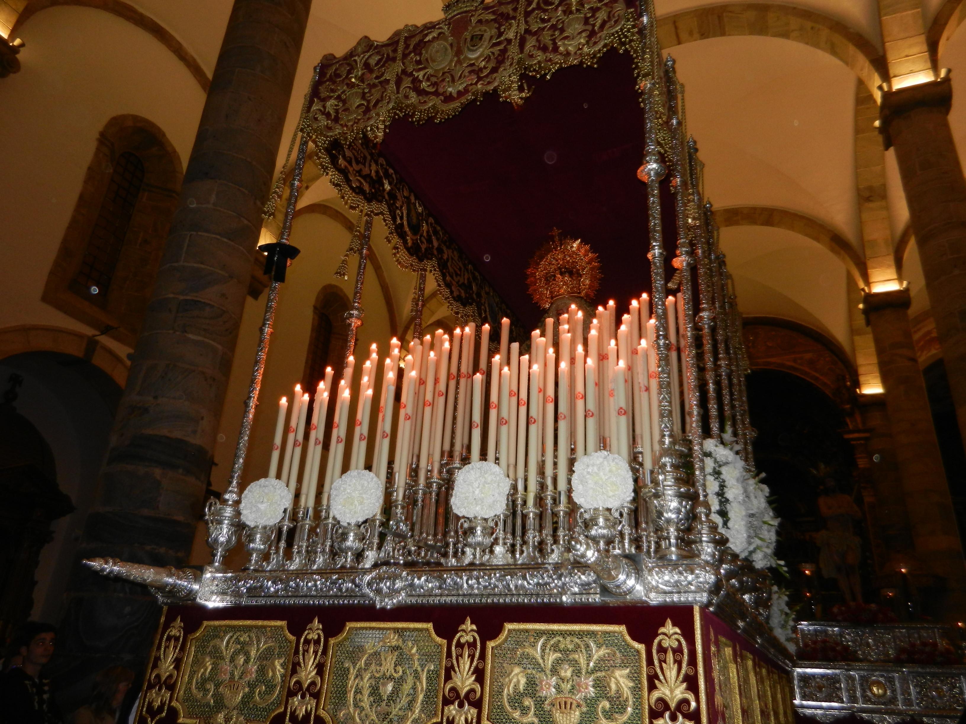 La Virgen de la Esperanza también se queda en el templo
