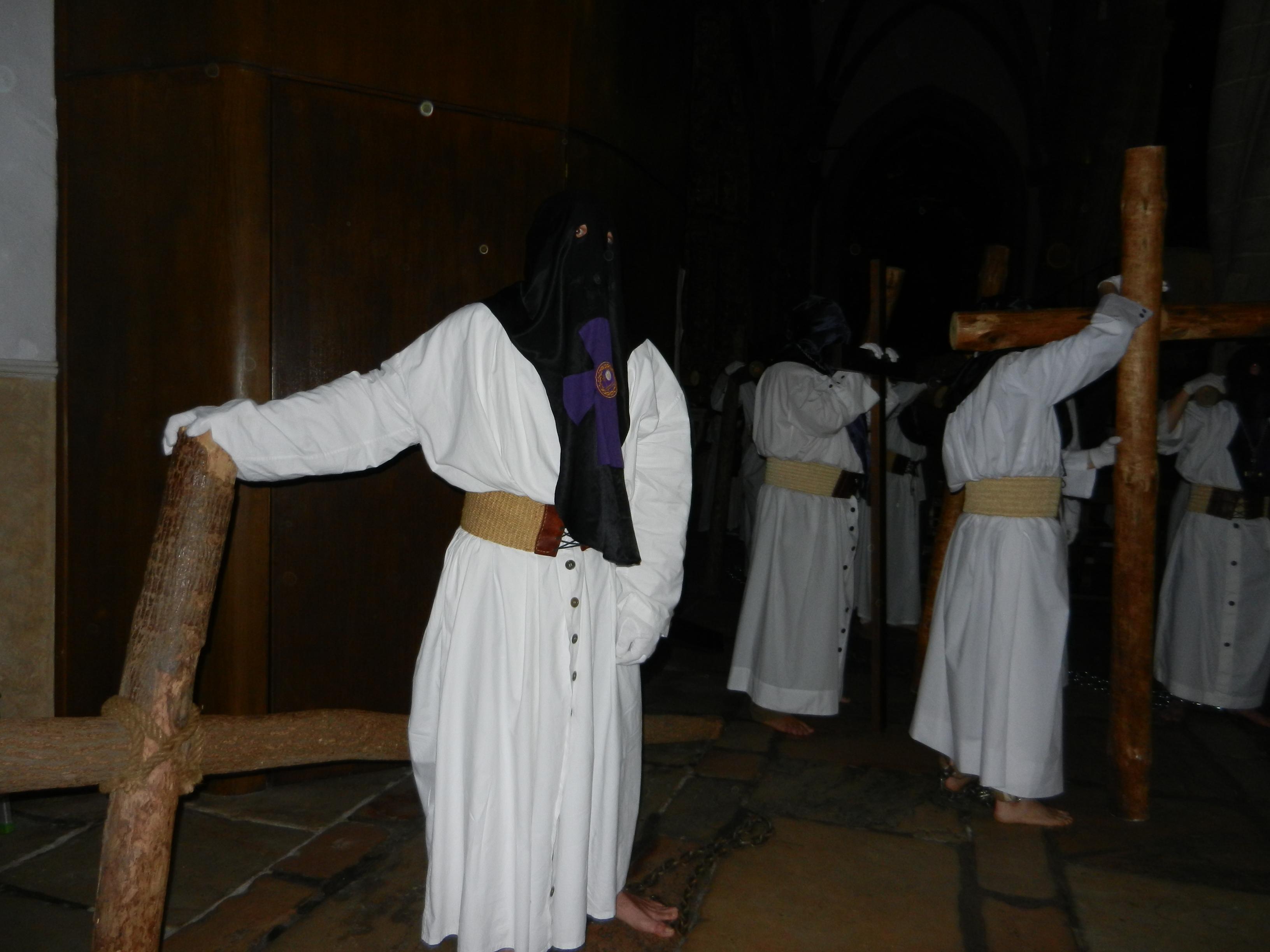 Los penintentes en la iglesia