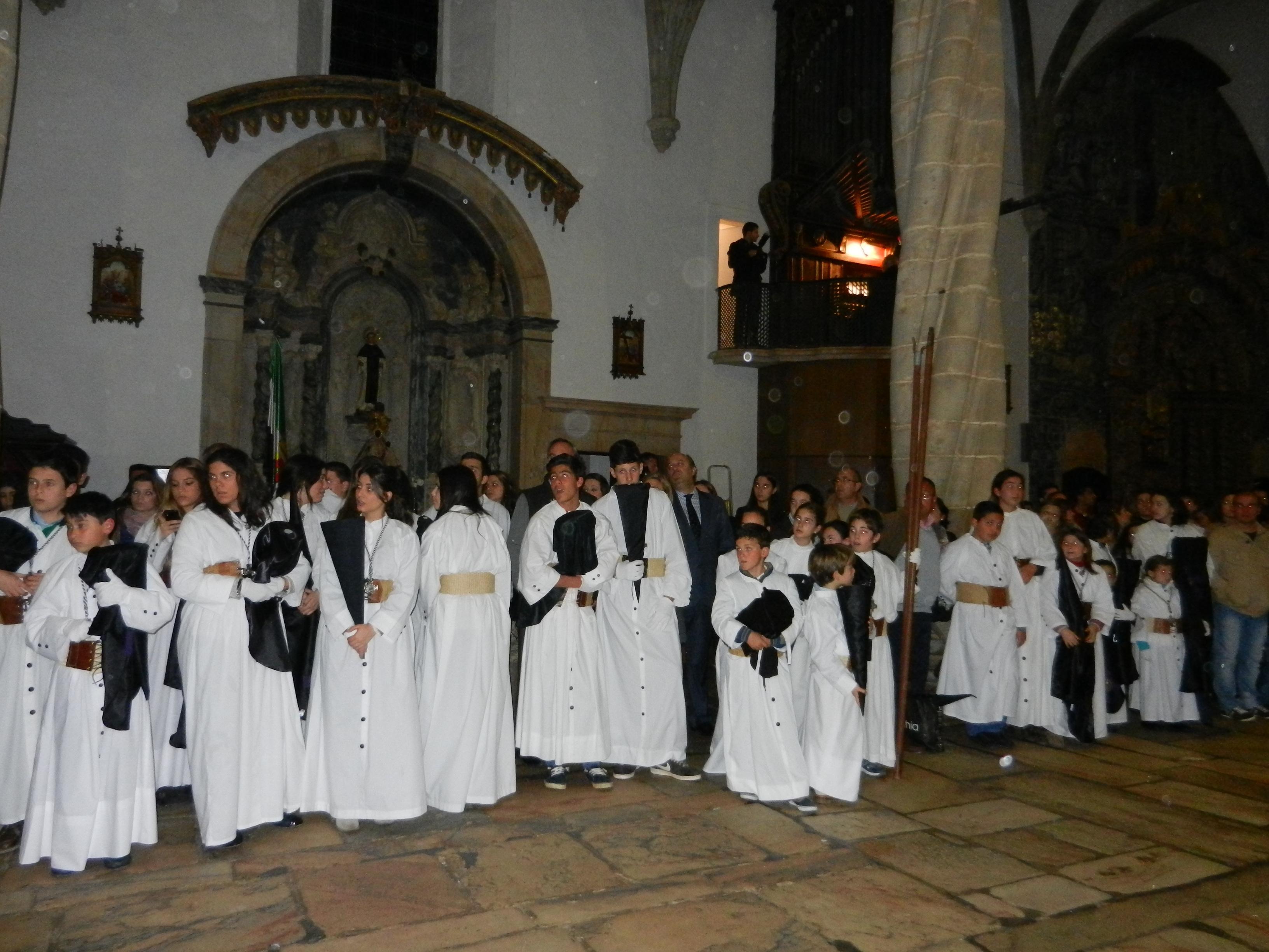 Los nazarenos en la iglesia