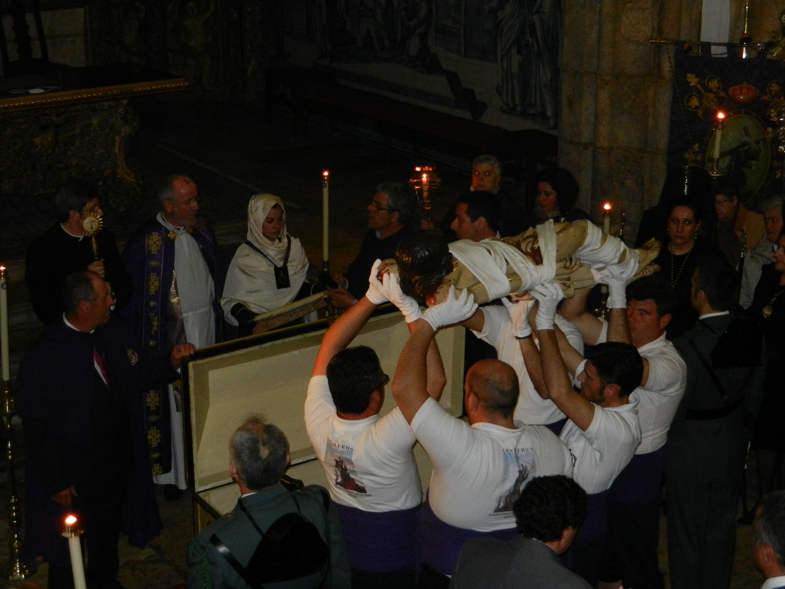 Canto de la paderinha al Cristo Yacente