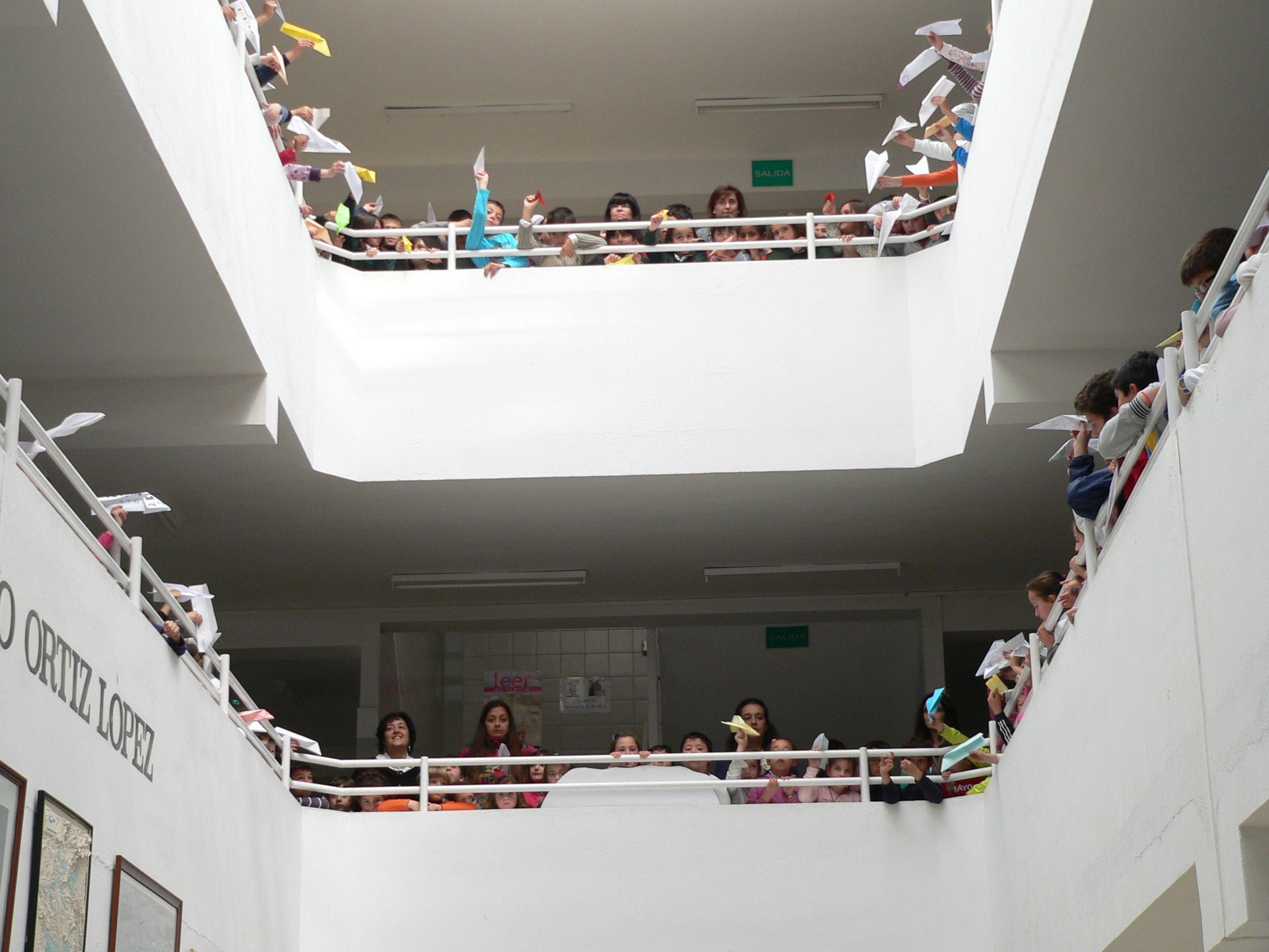 Celebración del Día de la Poesía en el Colegio Francisco Ortíz López