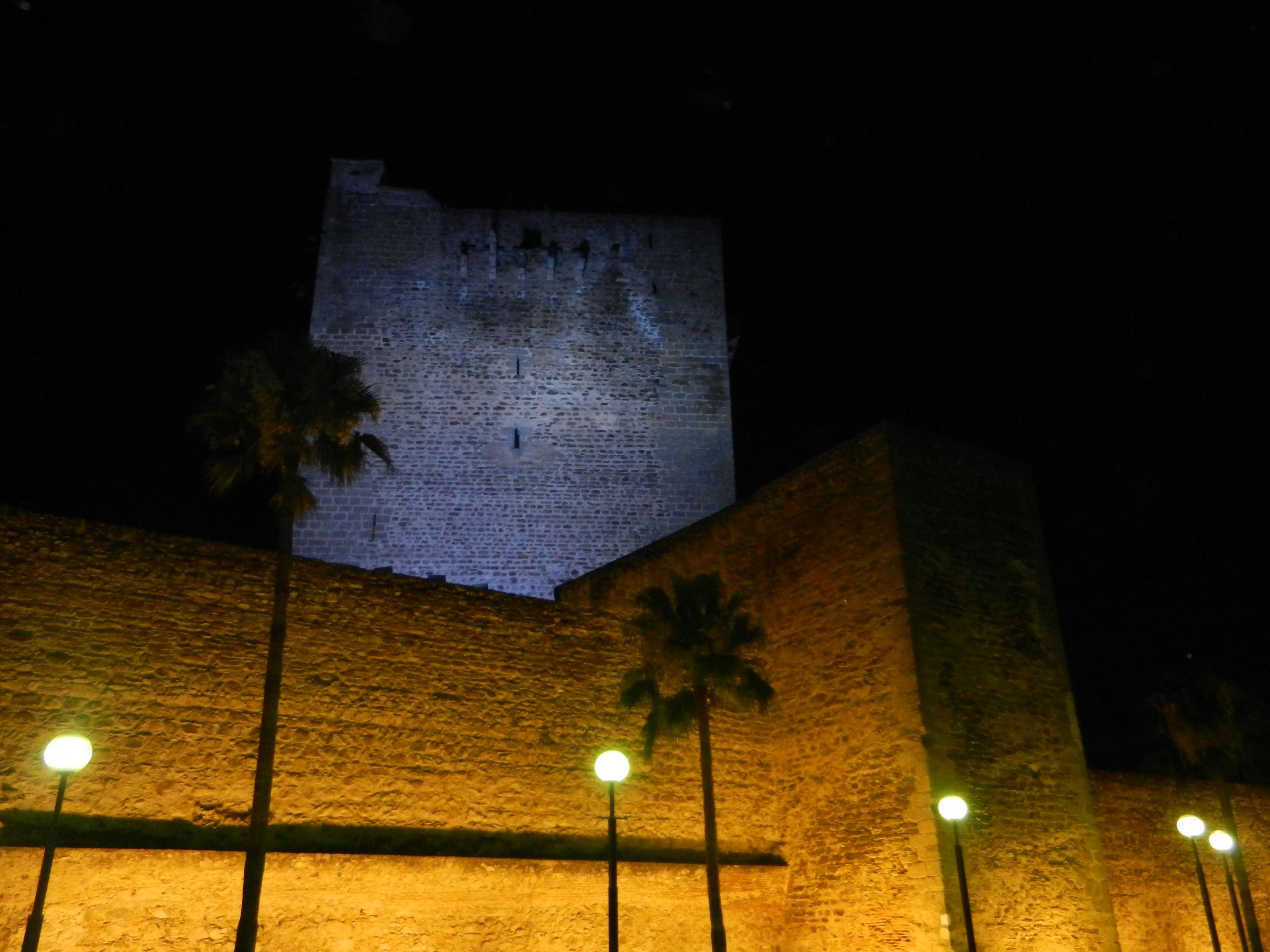 Iluminación del Castillo en Olivenza Despierta